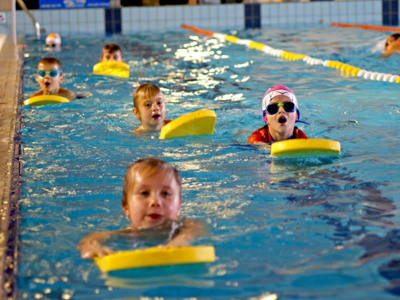 Grupowe zajęcia pływackie